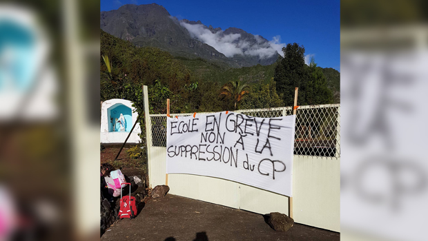 Salazie - Hell Bourg - Manifestation - Parents - Suppression de classe - CP - La Réunion